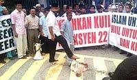 Arak kepala lembu bantah pindah kuil Malaysiakini 28-8-09
